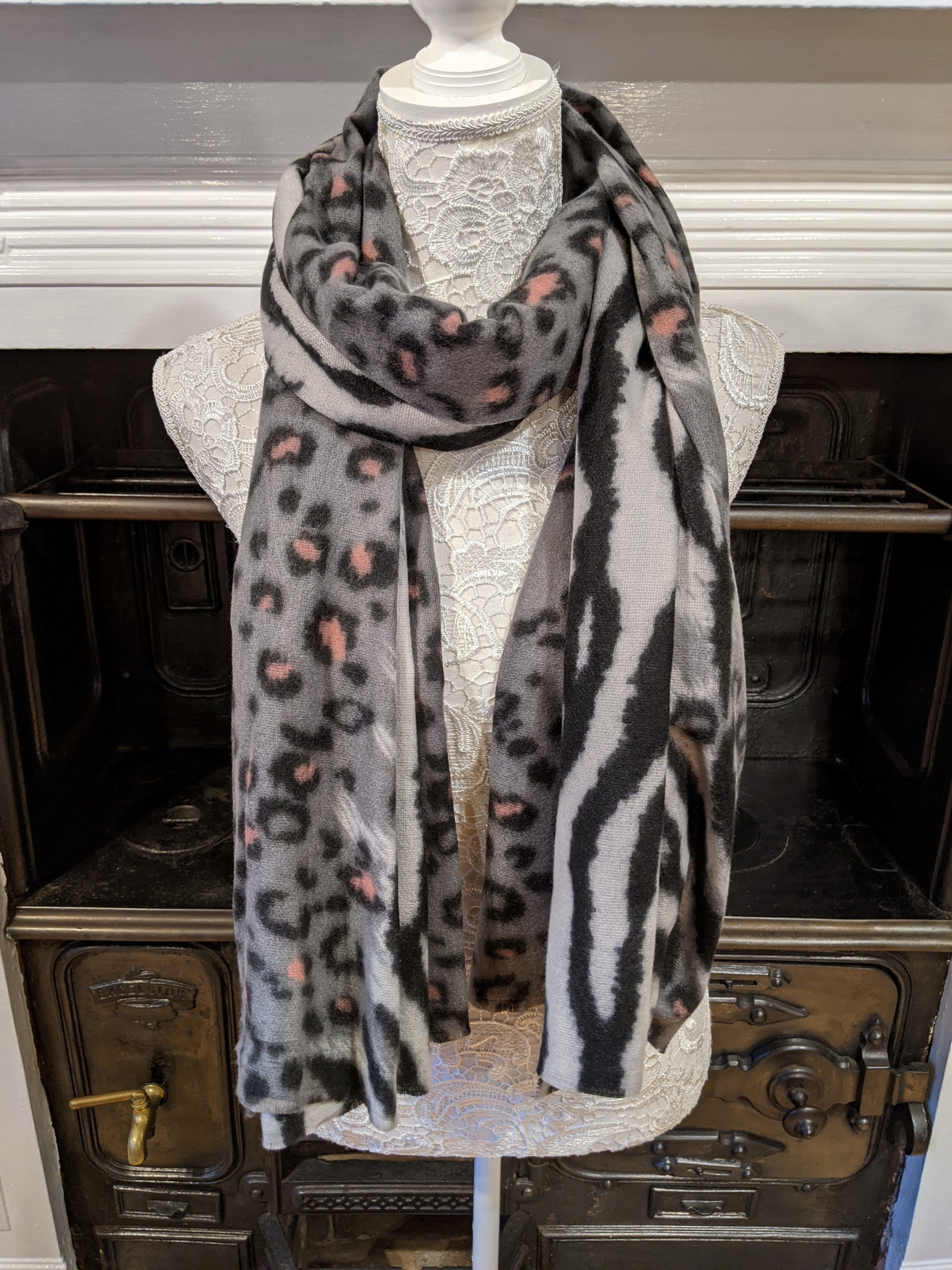 Grey & pink ladies animal print scarf