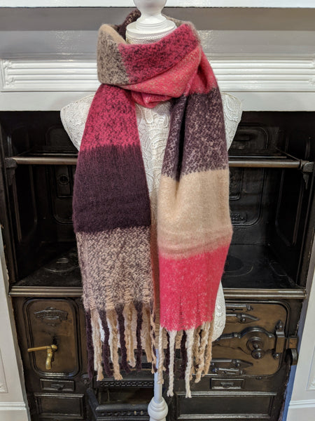 Pink check woven tassel scarf