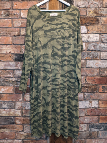 Ladies green long camo print dress