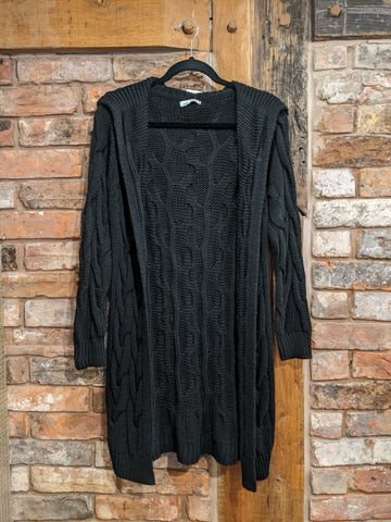 Black cable knit cardgian