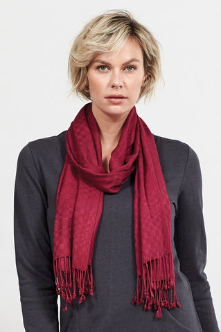 Berry textured weave women's scarf