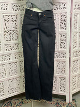Load image into Gallery viewer, 7 for All Mankind jeans size 26