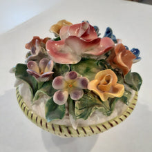 Load image into Gallery viewer, Vintage Capodimonte Italian Pottery Trinket Box (chips)