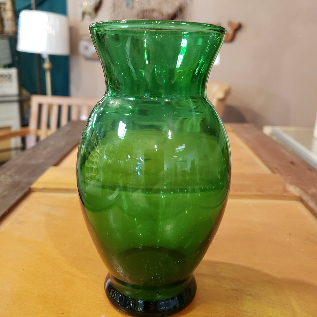 VINTAGE Emerald Green Glass Traditional Vase