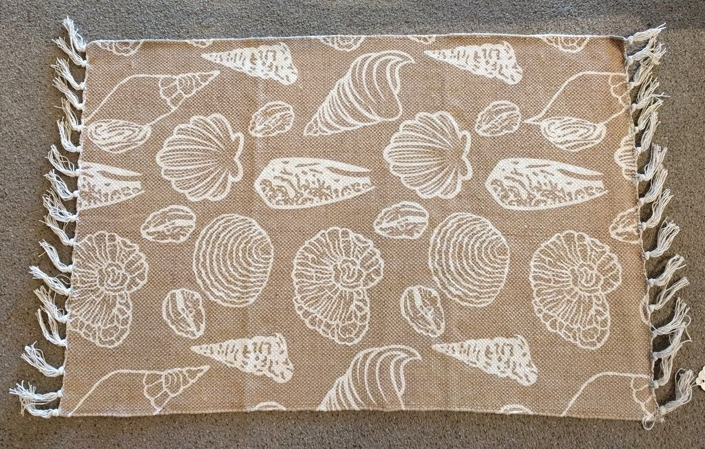 NEW 2' x 3' Tan Rug with White Shells
