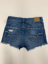 Load image into Gallery viewer, American Eagle Shorts Size 00