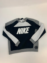 Load image into Gallery viewer, Nike Sweatshirt Size Medium