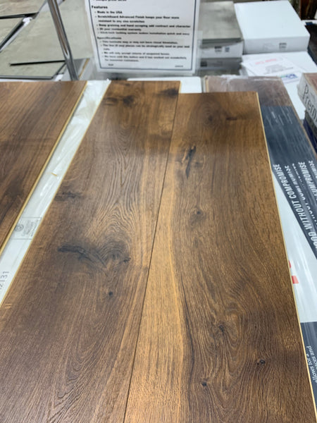 Midday Mocha Oak Laminate - 19.63 sq ft