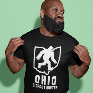 Ohio Bigfoot Hunter T-Shirt - Sasquatch Grassman Gone Squatchin