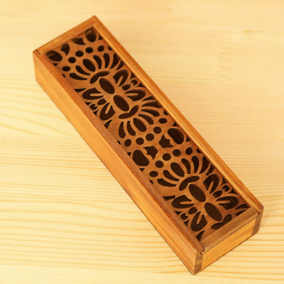 Hollowed-out Vintage Wooden Stationery Holder