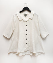 Load image into Gallery viewer, white buttoned blouse with 3/4 sleeves and a flowy body