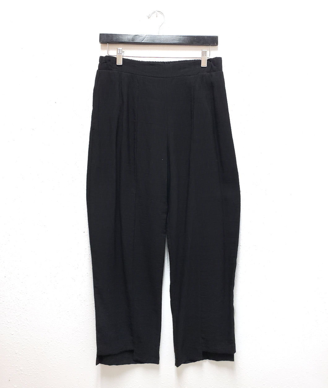black straight leg pant with a stair hem