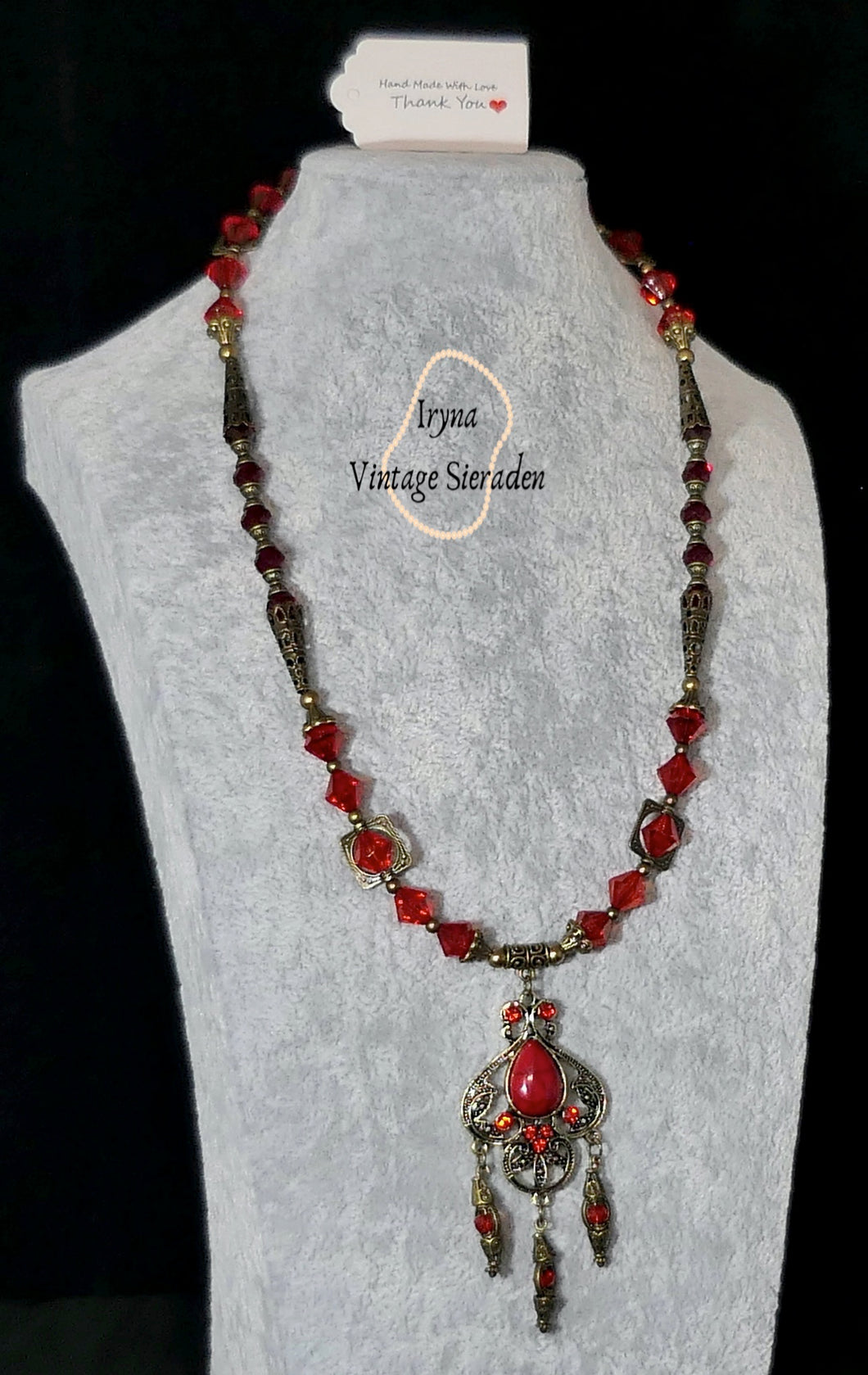 Necklage with Crystal Pendant