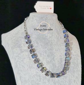 Necklace with square Swarovski Crystals