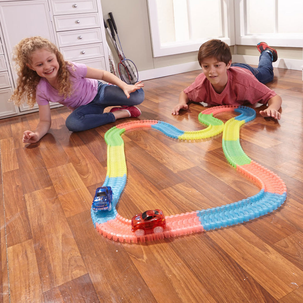 Glow-in-the-Dark Race Car Tracks Set - MYPOPDEALS
