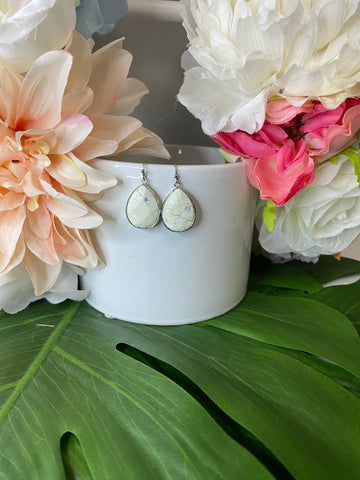 Kyra Earrings - white howlite