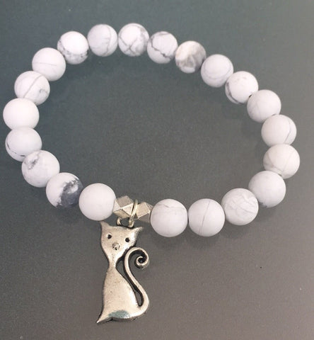 Meowington Bracelet - Howlite gemstone stacker