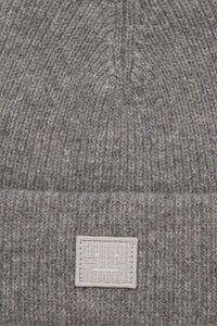 Face patch beanie grey