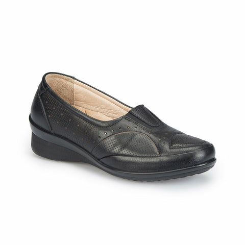Women's Black Leather Basic Comfort Shoes