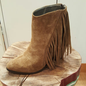 B Unique Fringe Boot - Mocha