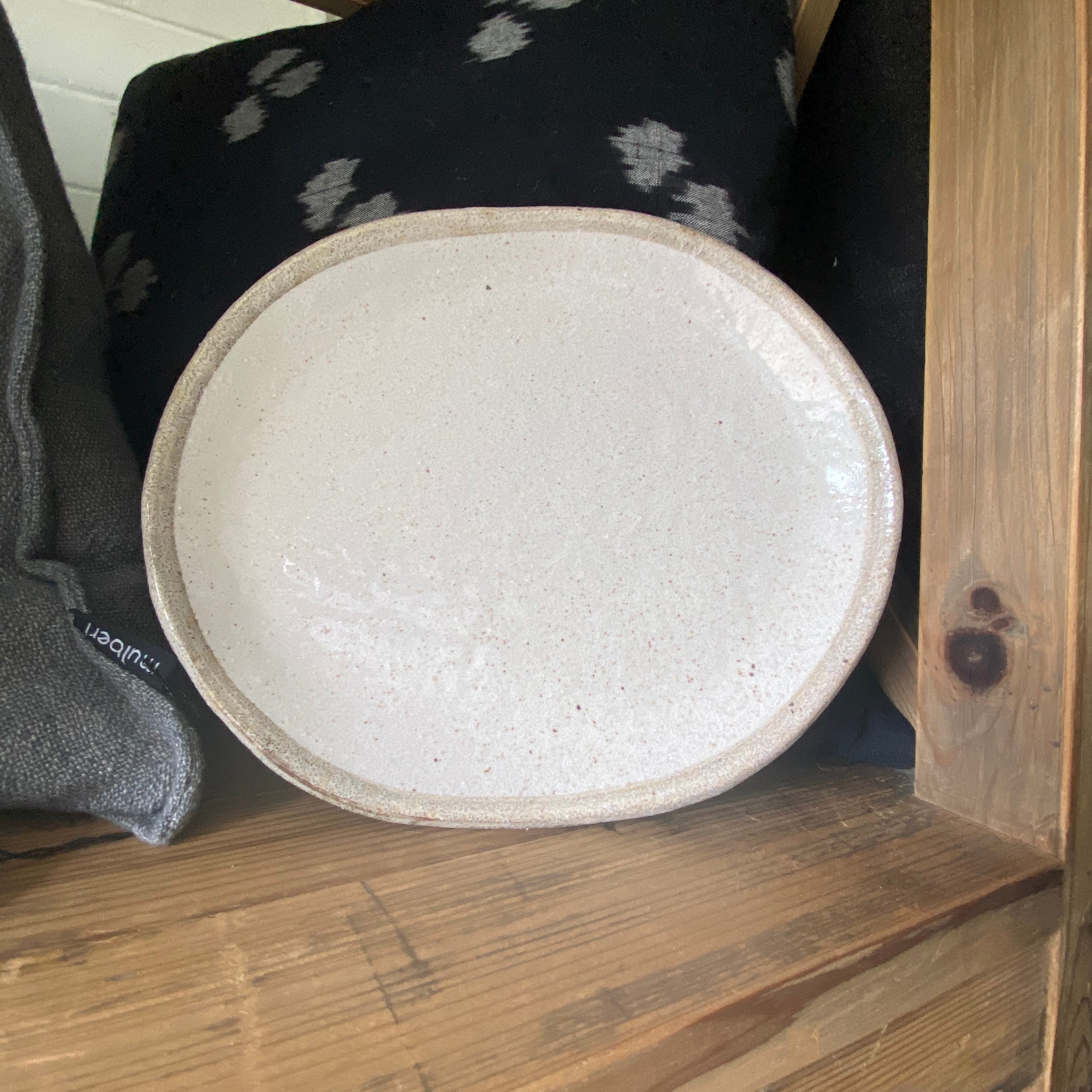 Shirokaratsu Large Oval Plate