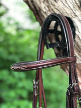 Load image into Gallery viewer, edgewood raised fancy stitched figure 8 bridle browband close up
