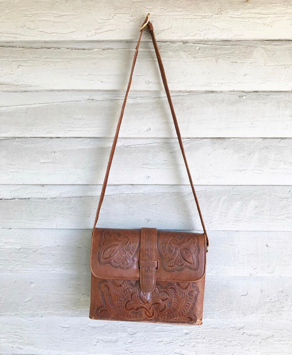 1950's Casa Flores Mexican tooled brown handbag.