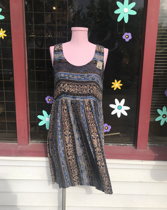 1990's Blue & Brown Mini Dress. ⁣⁣⁣⁣⁣⁣⁣⁣⁣⁣⁣⁣