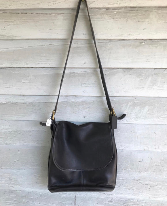 1990's Black coach legacy flap leather bag⁣