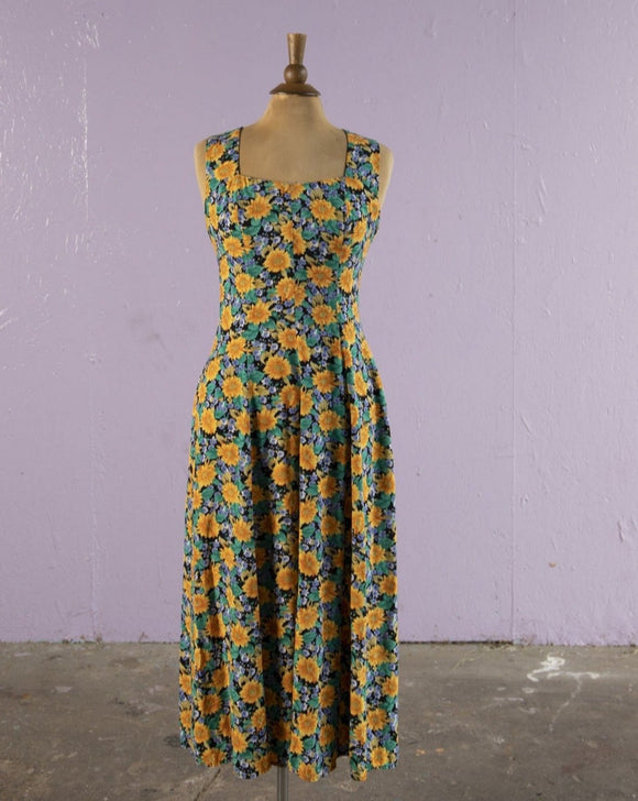 1990's Daisy floral maxi dress with a criss cross back