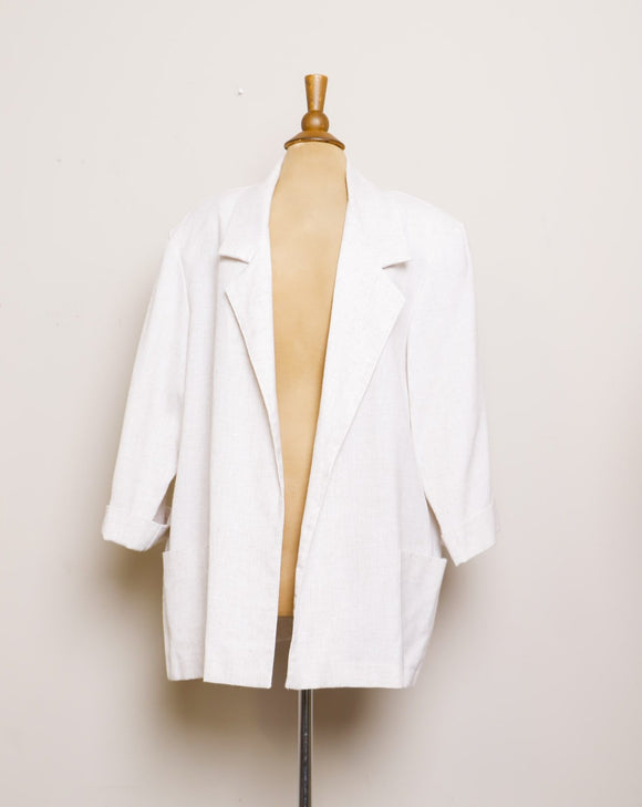 1990's Ivory Plus size blazer with pockets.