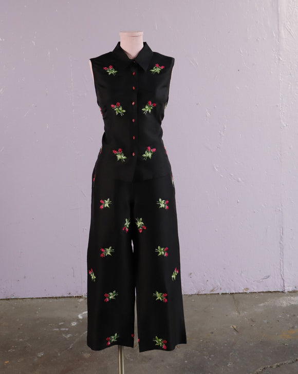 Y2K Black silk 2 pc set with embroidered pink rose bud flowers
