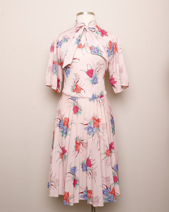 1970's Sheer Blush Pink tropical floral 3/4 sleeve, accordion pleated dress with pussy bow tie