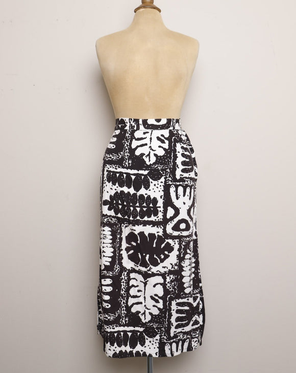 1990's Black and White pencil skirt with a bold abstract tribal print