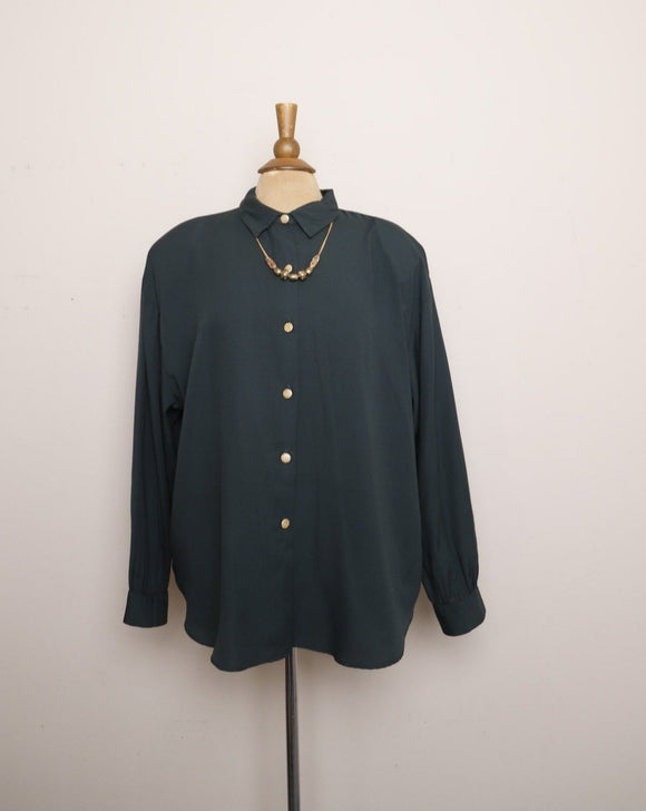 1990's Hunter Green Plus size long sleeve button down shirt with a detachable gold beaded necklace