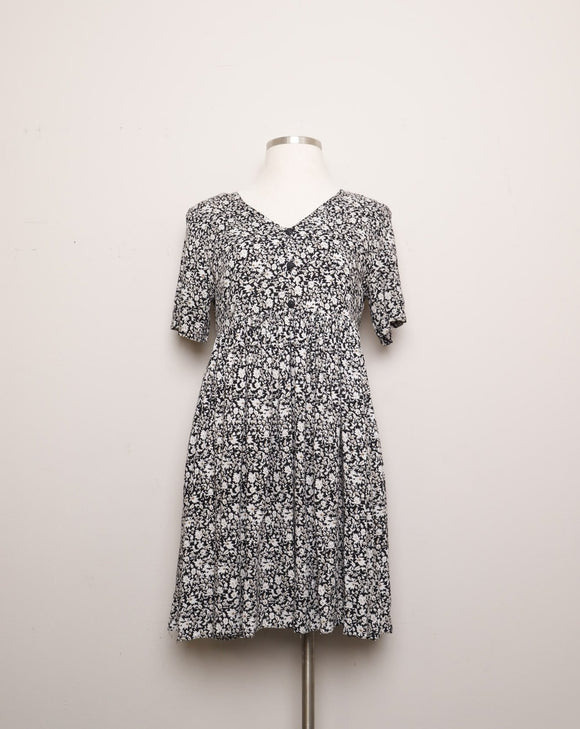 1990's Black & White dainty floral baby doll dress