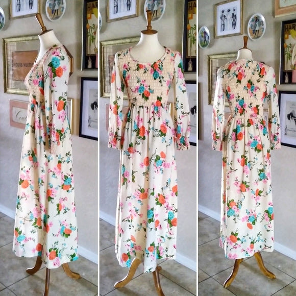 Vintage - 1970's Peasant Floral Maxi Dress
