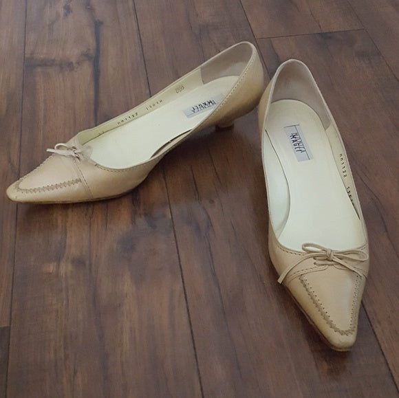 Monica by Magli - Vintage Cream Leather Kitten Heels