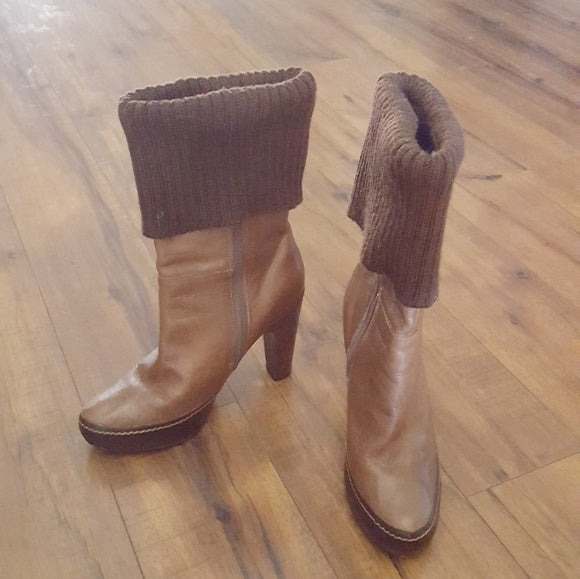 True Religion -90's  Brown Sweater Cuff Boots