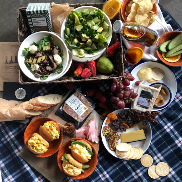 Picnic Food Hamper for 4