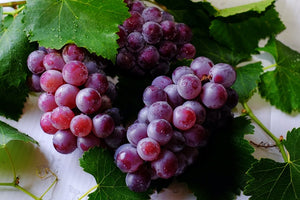 Grapes -- 2 lb Seedless Organic Red Grapes