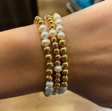 Load image into Gallery viewer, Gold and Pearl Beaded Bracelet Set