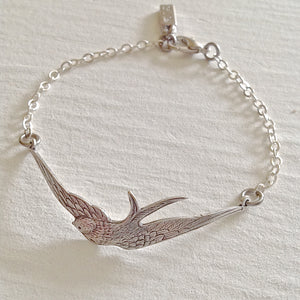 Swooping Swallow chain bracelet in antiqued silver