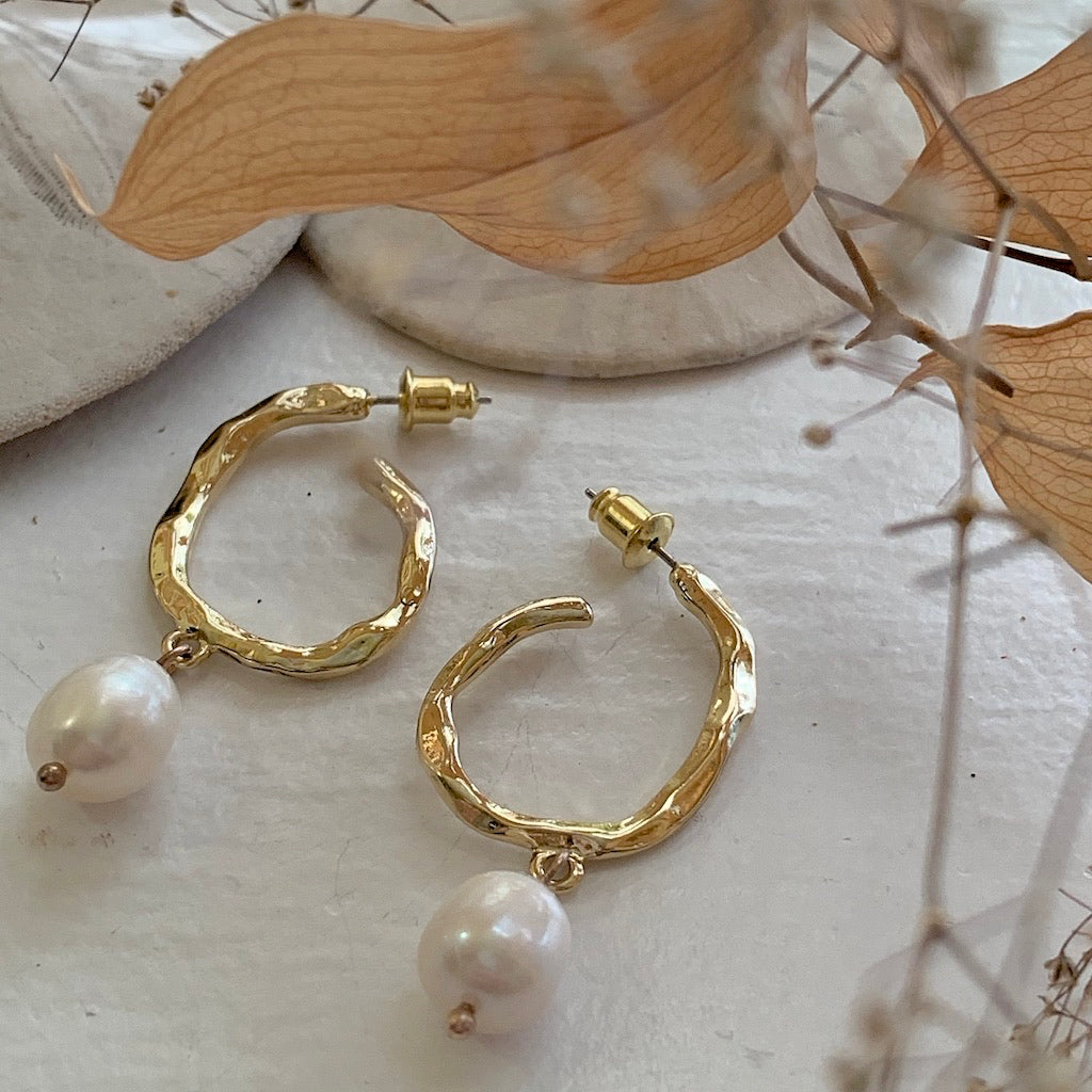 Crushed Metal Gold Hoop Earring with Freshwater Pearls