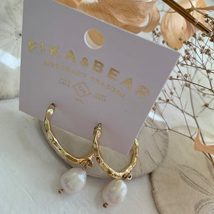 Crushed Metal Gold Hoop Earring with Freshwater Pearls  on Gift Card