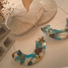 Load image into Gallery viewer, Acetate  Mod 60's Statement Wire Earrings in Multiple Colours