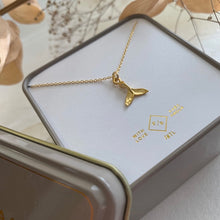Load image into Gallery viewer, Tiny Gold Vermeil whale tail charm necklace