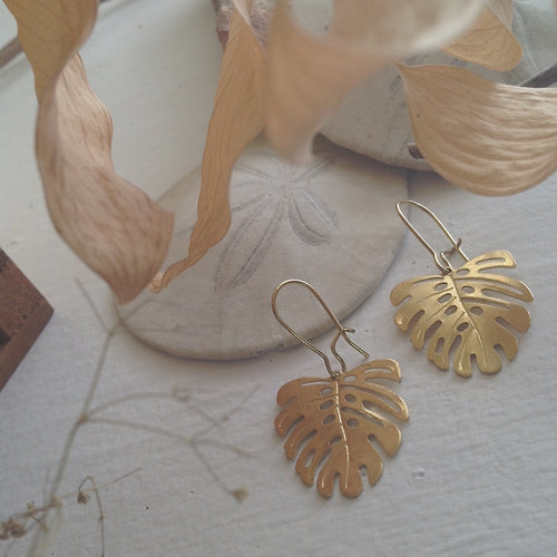 Raw brass monsterra leaf kidney wire earrings