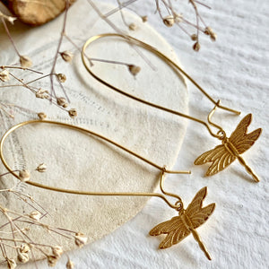 Raw brass dragonfly charm design kidney wire drop earrings