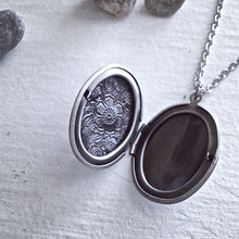 Load image into Gallery viewer, Oval Antique Silver Floral Locket Necklace